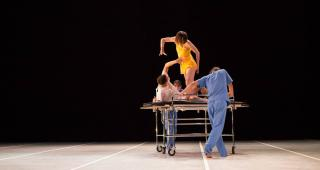 Manasseh and The Schizophrenia - Dancers: Jairo Cruz, Sarah Matry-Guerre, Ana Paula Oropeza y José Corral / Photo: Emmanuel Adamez